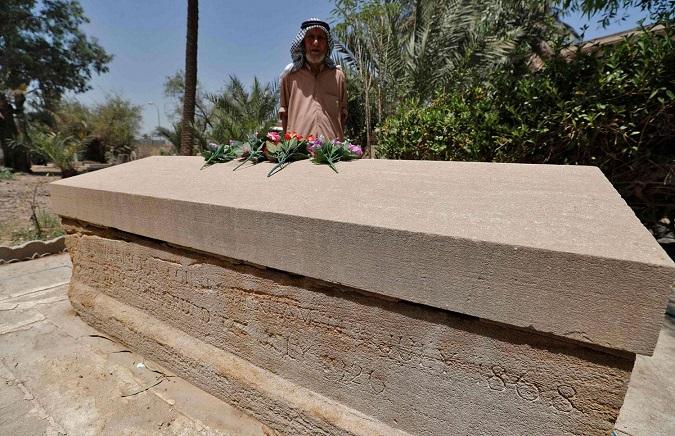 العثور على مقبرة 'والدة' العراق الحديث ليس أمرا سهلا!!      تم إنشاءه بتاريخ الإثنين, 31 أيار 2021 10:53   1 Comment              ميدل ايست اونلاين:بغداد- العثور على المقبرة البروتستانتية حيث ترقد البريطانية غرترود بيل التي  Msbel.1
