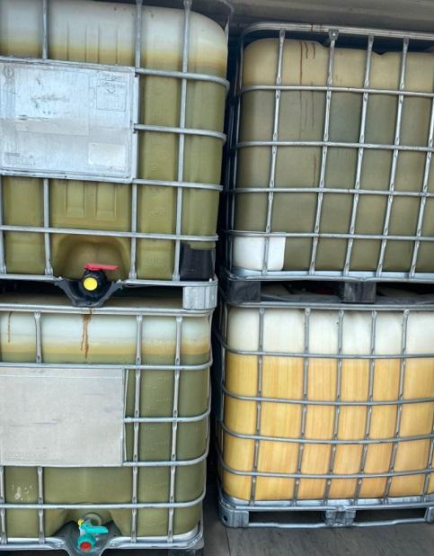 تحوي مواد خطرة.. إخلاء حاويات بميناء أم قصر في العراق Umqaser.2