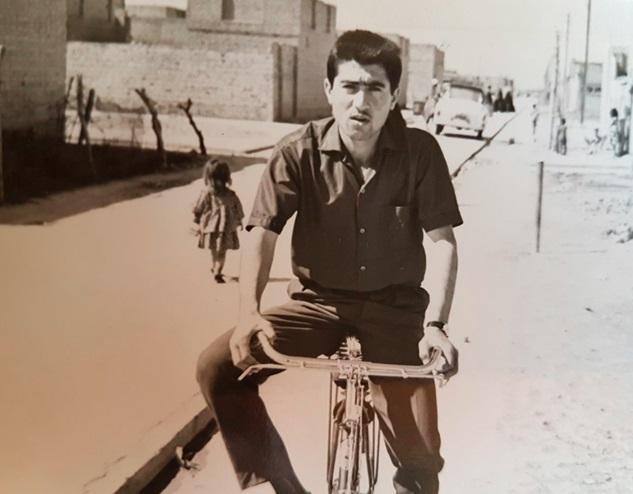 خزين ذاكرتي وطريف الحكايات - الأستاذ محمد عبد الوهاب       Thawra.4