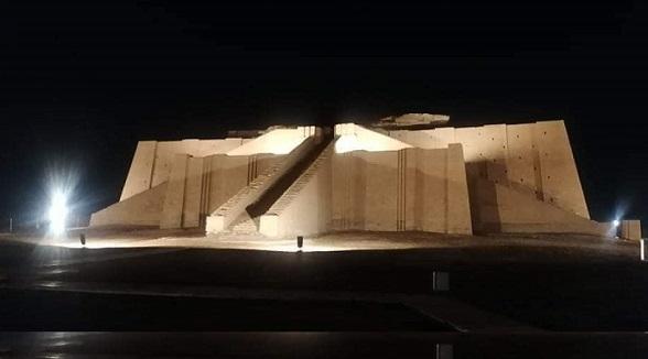 صور.. للمرة الأولى منذ ٤٠٠٠ عام.. إنارة زقورة أور الأثرية Ur.light