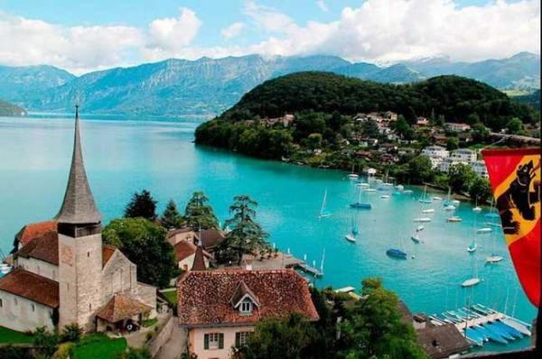 الگاردينيا - مجلة ثقافية عامة - سبيز أجمل قرى سويسرا
