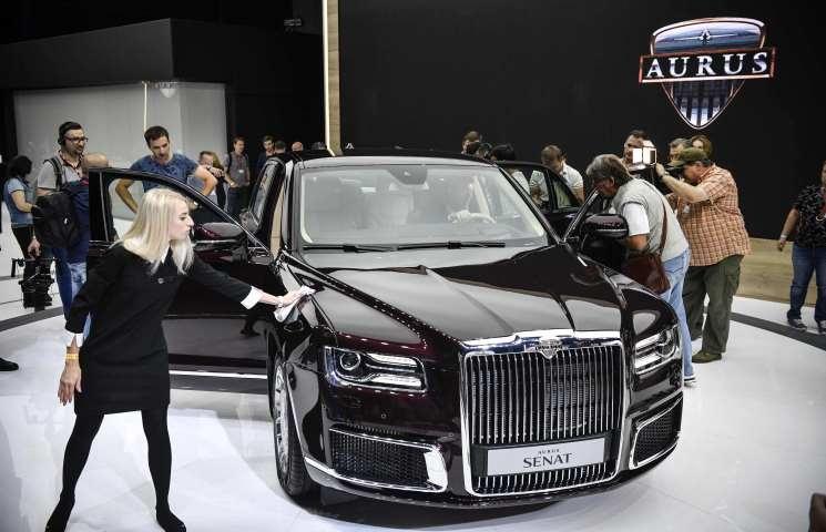 روسيا تكشف عن سيارة فاخرة جديدة وليموزين لبوتين       Car.Rs