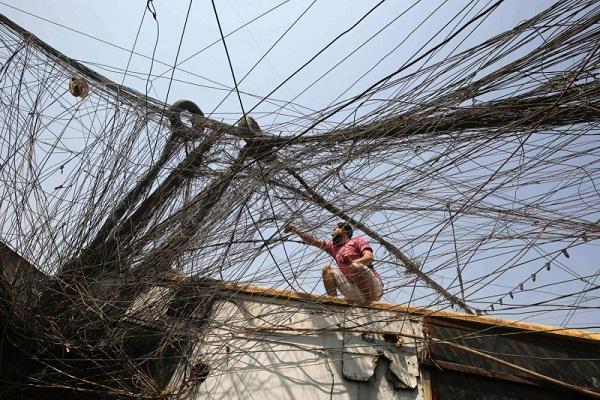 بغداد تجمع سيمنز وجنرال الكتريك في صفقة إنقاذ الكهرباء Kahraabaa