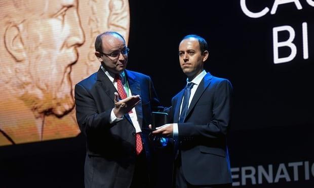 سرقة جائزة «نوبل الرياضيات» من عالم كردي خلال حفل في البرازيل Kochar